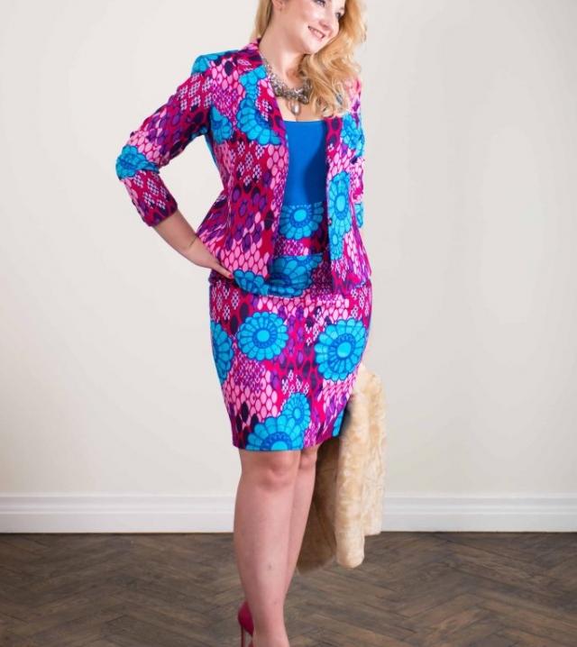 Taye-africanprint-skirt-standout-complete
