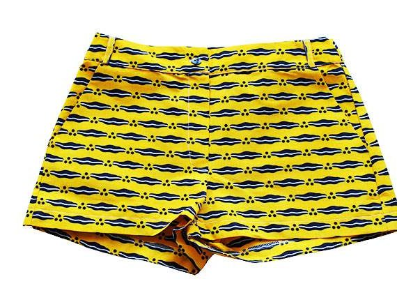 Taye-african-print-shorts-Afrykanskie-szorty-moda-polsce-yellow-and-navy-front1